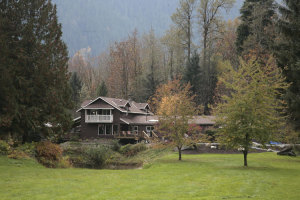 Eagle Valley Retreat Lodge for corporate retreats, business retreats, wedding venue, workshops, seminar near Vancouver in Squamish, BC